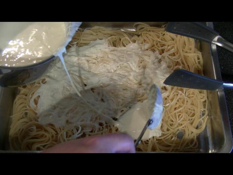KäsesauceaufSpaghetti