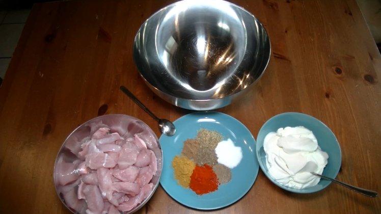 GyrosmitDillsauceFleischvorbereitung